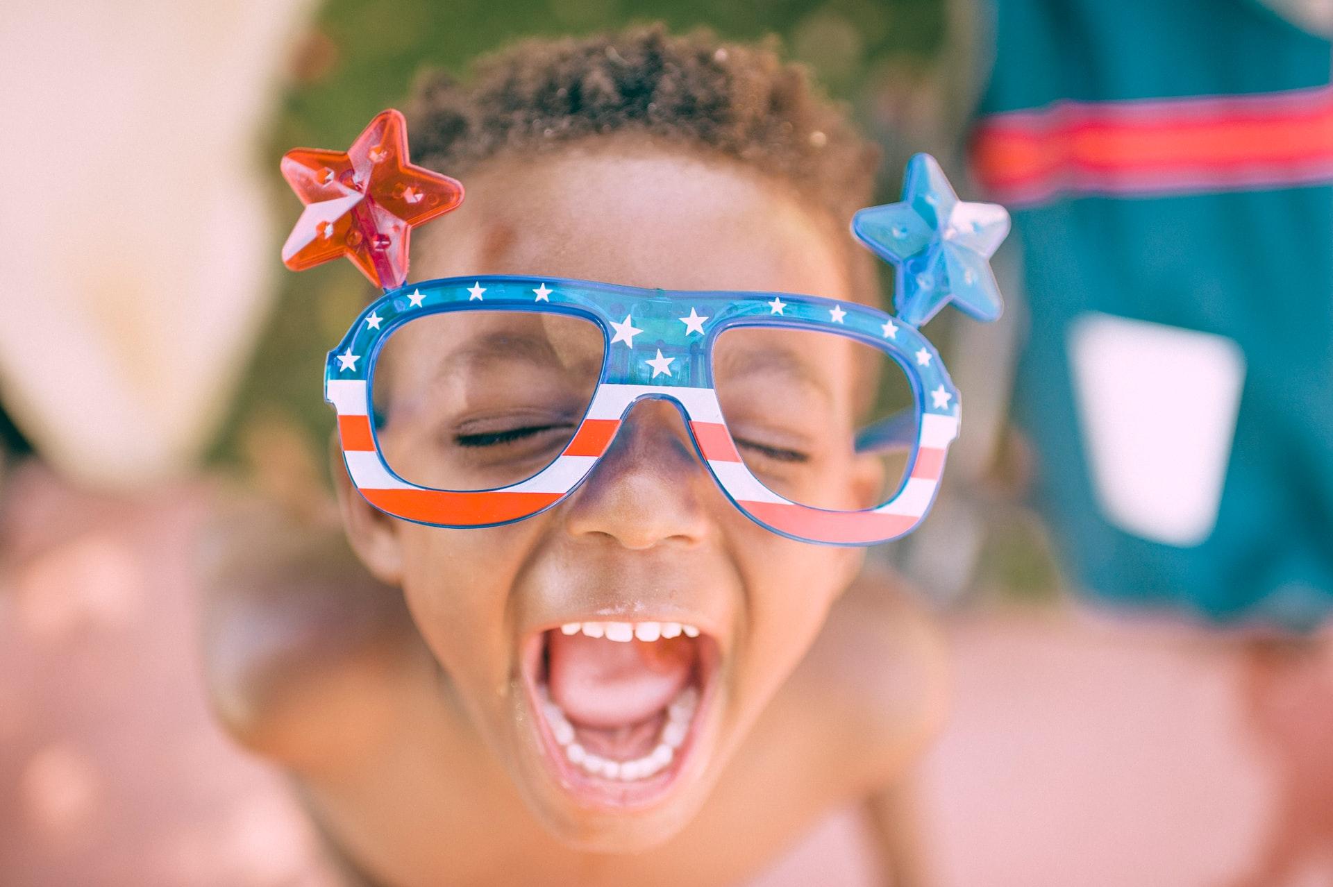 アメリカ眼鏡少年